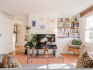 Bright and Elegant 2 Bed apt in Hoxton