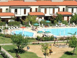 La Fagiana Holiday Home Sleeps 5 with Pool Air Con and WiFi - 5646817