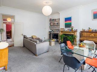 Spacious Apartment 15 minutes to Oxford Circus