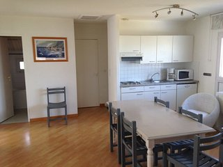 Trelevern Apartment Sleeps 6 with Pool and WiFi - 5481264