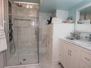 Marble bathroom with heated floors, cotton towels including two cotton housecoats for your use