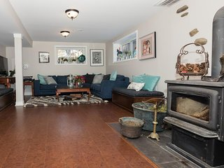 Great room - woodstove with firewood included. Netflix only, games, puzzles