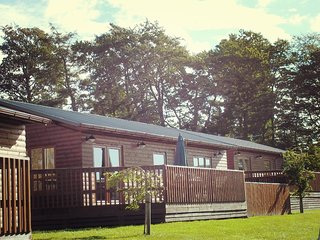 Mountain Ash Lodge with Hot Tub near Cupar, Fife