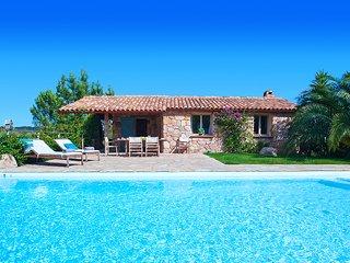 3 bedroom Villa in Lecci, Corsica, France : ref 5621147