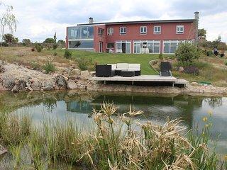 FInca con impresionantes vistas y piscina natural,capacidad para 18 personas