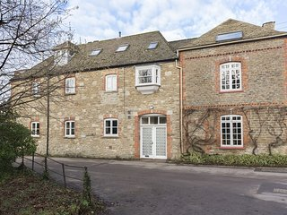 The Leat at Wynyard Mill, Dog Friendly, Cotswolds - Sleeps 4, Malmesbury, Cotswo
