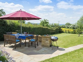 Swallows Rest Cottage, Family-Friendly, Cotswolds - Sleeps 6, Laverton, Broadway