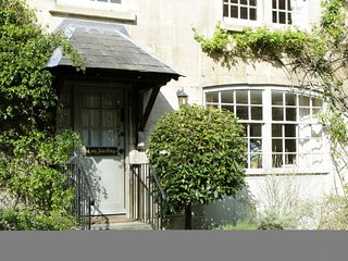 Lady Jane Grey; Sudeley Castle - Sleeps 5, free entry to Sudeley Castle