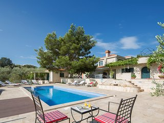 5 bedroom Villa in Plano, Splitsko-Dalmatinska Zupanija, Croatia : ref 5606385