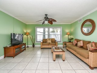 2 Bedroom/ 2 Bath Condo Steps from the Village with Pool Access- HummingBird A