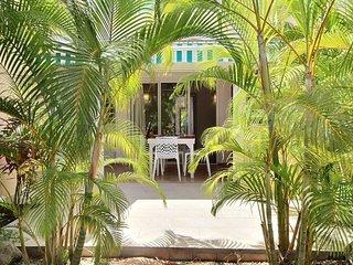 Appartement Nyaman - Au coeur de la Marina de St Francois, acces piscine commune