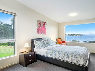 Bruny Island - Channel View - Waterfront - 3 Bedroom - Kid Friendly