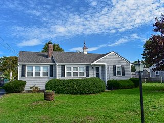 Lovely 4 bedroom home located only .4 miles to West Dennis Beach