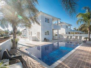 Cyprus Villa Floresia 4 Gold