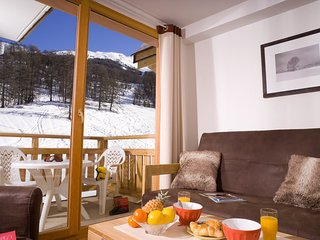 Great Skiing in Les Orres | Spacious + Open Apartment for 10