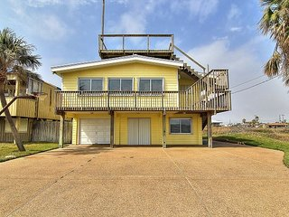 Super cute Oceanview home right in the heart of Port A!