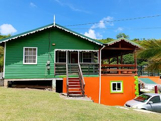 Seawind Cottage -Traditional Caribbean Style near Plantation Beach & Gros Islet