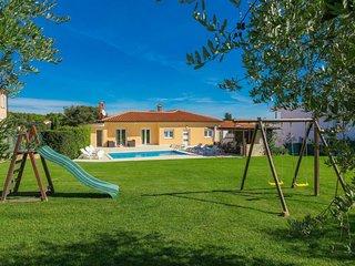 4 bedroom Villa in Štinjan, Istarska Županija, Croatia - 5038047