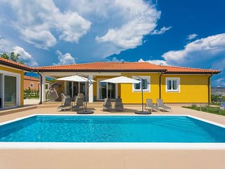 3 bedroom Villa with Pool, Air Con and WiFi - 5423045