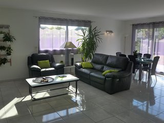 3 bedroom Villa in Tosse, Nouvelle-Aquitaine, France : ref 5699891