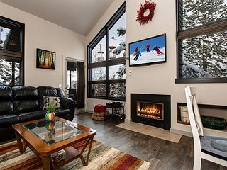 4BR/4BA Mountain Condo, New Updates & Owners! Sleeps 10