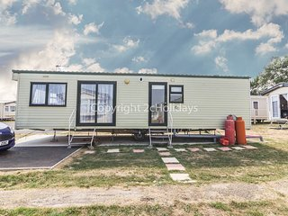 6 Berth, near amenities D/G & C/H. Pets Welcome. Seawick Holiday Park. REF 27476