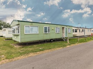 8 Berth, near amenities, D/G & C/H. Pet friendly. At St Osyth. Ref 28069 CW