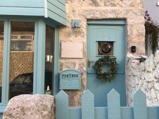 Schooner Cottage - At Christmas