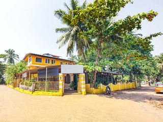 Restful 2-BR  for friends, 1.6 km from Calangute beach