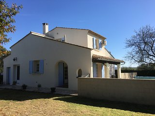 La Maison Marguerite - House in Walking Distance to Uzes with swimming pool