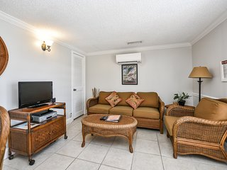 1 Bedroom/ 1 Bath with Pool Access and Steps from Siesta Village!- HummingBird D