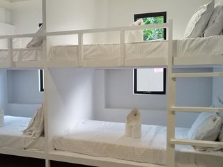 Layanglayang Home - 8 PAX Dormitory Bedroom