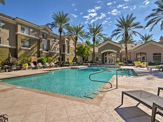 Resort Townhome Steps to Golf&Paradise Valley Mall