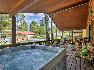 NEW! Ruidoso Cabin w/ Hot Tub & Golf Course Views!