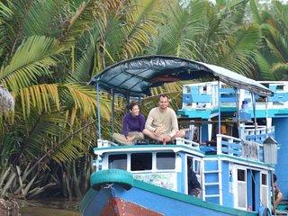 Bee Kelotok Orang Utan House Boat