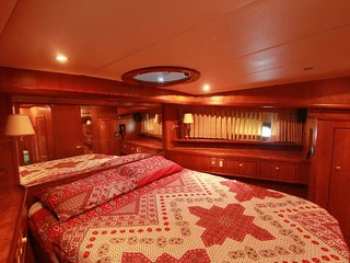 Royal Star Rentals (Yacht 3)