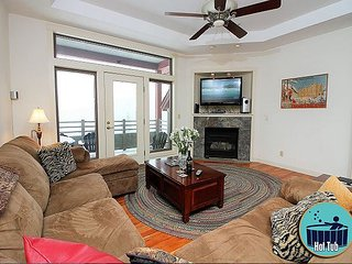 Lodges at Surnise A304 - Ski on/ski off condo with Sports Center/Pool/Hot tub