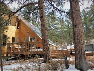 Pine Acres - The Perfect Mountain Home Come see the Rocky Mountains