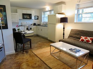 McHill Studio Apartment | Convenient to C'ville Downtown Mall & UVA