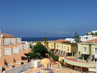 ★ Lovely apt with swinpool and sea view ★