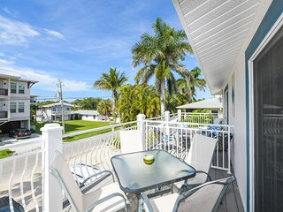LJs Beautiful 2 Bedroom /2 Bath Steps from Pool and Beach!!- LJ #4
