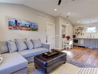 Carriage House Near Downtown Denver!