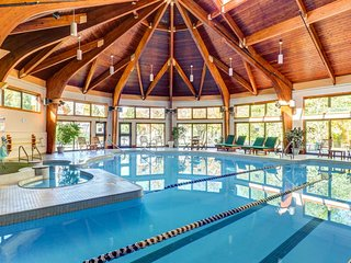 Great amenities like on-site gym, pool, hot tub & more + stunning mountain views