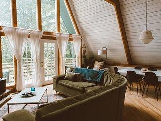Trendy & Modern Cabin