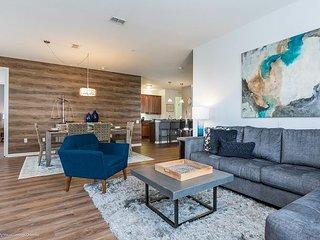Stunning 3BR condo located in the Vista Cay Resort!