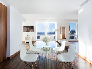 Midtown Jewel Emerald, 2 BR Apartment near Empire State Building