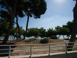 YATE :) Villa en primera linea de playa para 12 personas