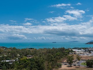 Coral View at Azure Sea - Airlie Beach