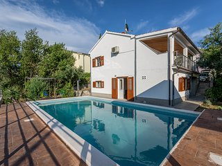 Traditional villa with heated private pool