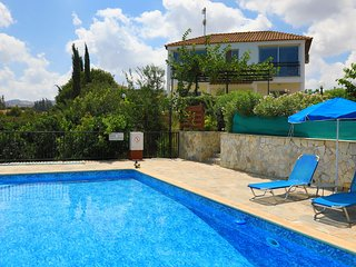 Villa Aphrodite Latchi: Two storey villa, private pool, A/C, Wi Fi, Gardens